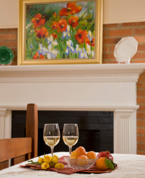 Room 121 - Ivory Esfahan - Fruit, wine and flowers
