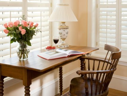 Room 124 - Pearl Gazvin - Vignette of desk with wine and flowers