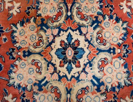 Room 135 - Coral mahal - Close-up of Mahal carpet